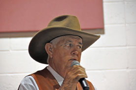 Auctioneer Larry Ashcraft